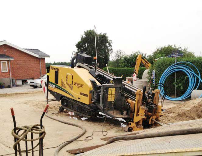Nedgravning af vandledning ved styret underboring