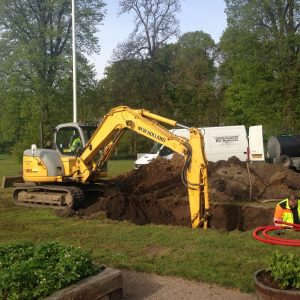 Styret underboring ved Kragerup Gods – opgravning til pumpebrønd af PA underboring - Entreprenør Per Andersen