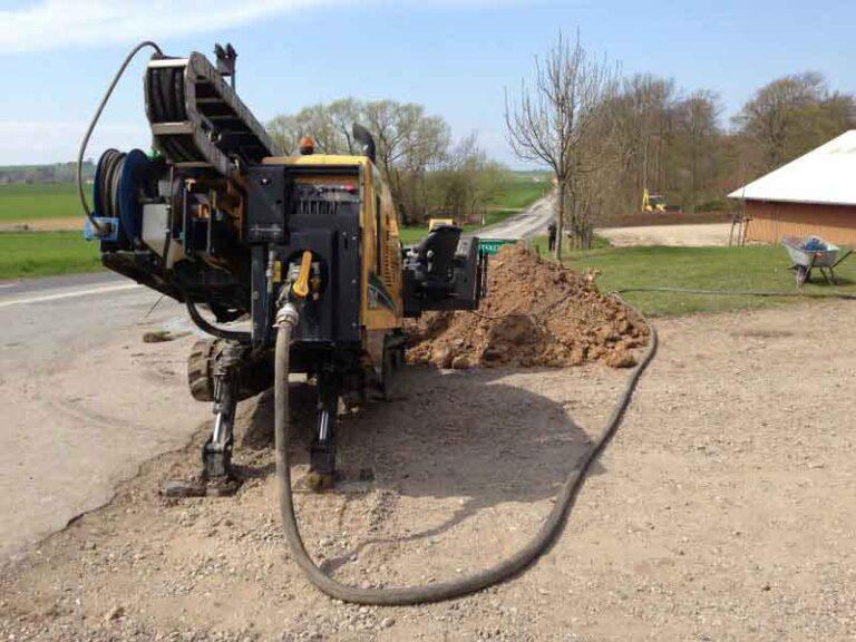 Styret underboring, styrbar underboring, no-dig. Gravearbejde under vejen af PA Underboring - Per Andersen