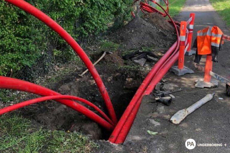 Gravearbejde – forsyningsledninger, kloakledninger, udgravning til byggegrunde Styret underboring, styrbar underboring, no-dig. Gravearbejde under vejen af PA Underboring
